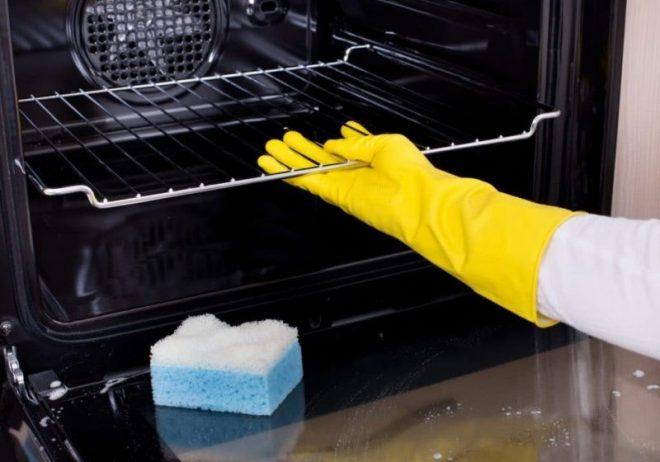 Jak czyścić piekarnik – porady dotyczące czyszczenia